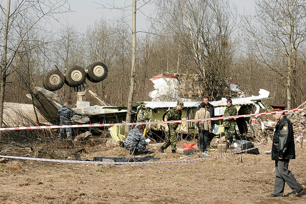 http://www.news.dreval.com/images/stories/news/pl_airplane_crash.jpg
